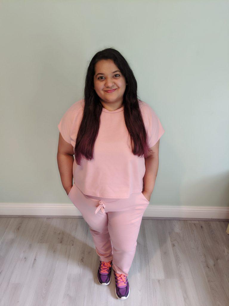 Rose coloured tracksuit / stylish travel clothes